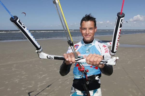 Kitesurf Youngster Nils Wesch.  Foto: 9pm media