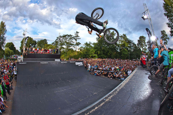 James Foster bei den BMX Masters 2011.  Foto: Chris VanHanja