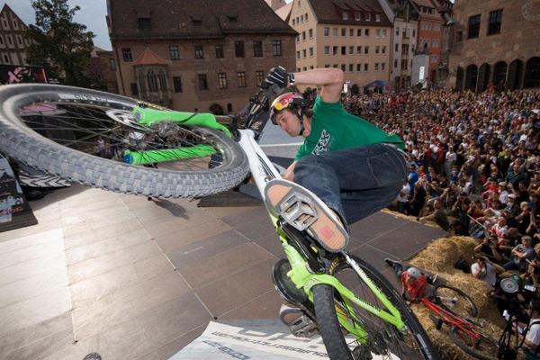 Red Bull District Ride 2011.  Foto: Markus Greber