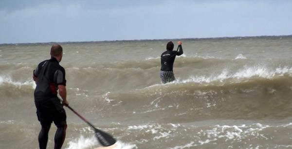 Wave Challenge beim SUP & Beachsportsfestival auf Fehmarn.  Foto: patrick barenberg