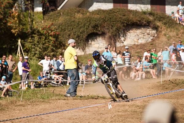Florent Payent beim Swiss Downhill Cup 2011 in Bellwald.  Foto: Thomas Dietze