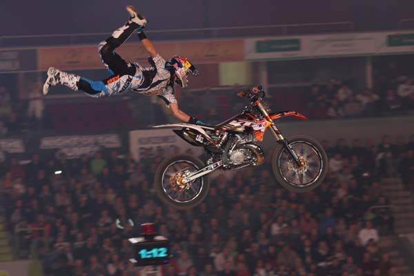 Night of the Jumps Riga 2011.   Foto: Oliver Franke / IFMXF.com