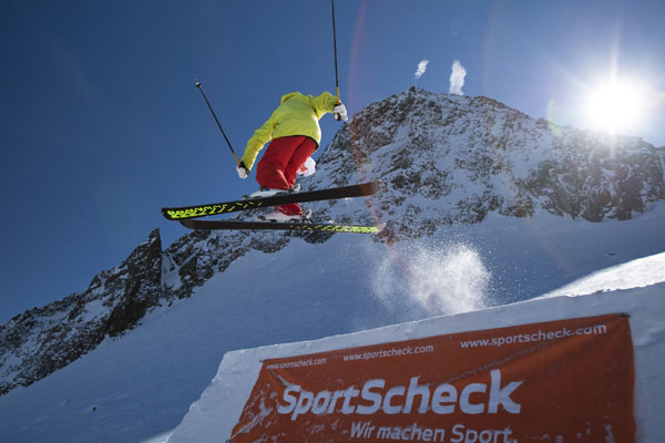 Freeski Contest Big Air Neustift.   Foto: SportScheck