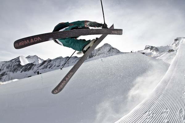 Superpipe Snowpark Kitzsteinhorn 2012.  Foto: Roland Haschka