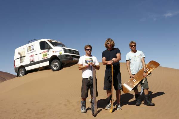 Sandboarden mit Björn Dunkerbeck, Klaas Voget und Robby Swift in der Wüste Atacama Wüste.  Foto: www.hoch-zwei-net