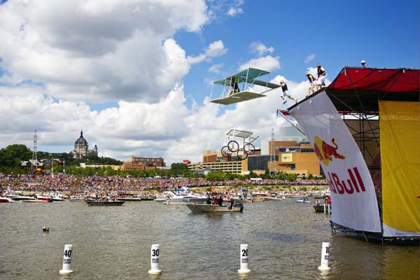 Red Bull Flugtag.  Foto: Chris Tedesco/ Red Bull Content Pool