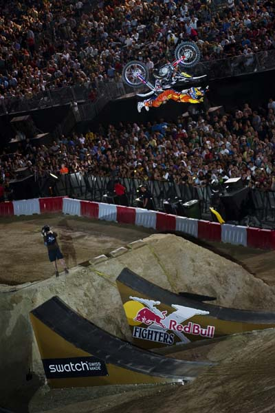 Red Bull X-Fighters World Tour 2011 Dubai.  Foto: Jörg Mitter/Global Newsroom/Red Bull Content Pool