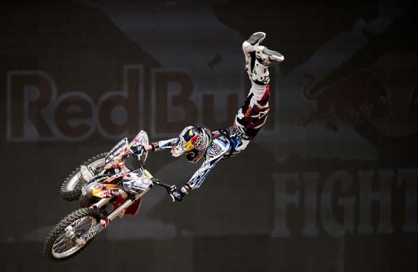 X-Fighters World Tour Dubai 2012.  Foto: Predrag Vuckovic/Red Bull Content Pool
