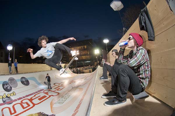 Skate of Art Skatesession Stuttgart 2012.  Foto: michel majerus estate, 2000, courtesy neugerriemschneider, Berlin/Red Bull Content Pool