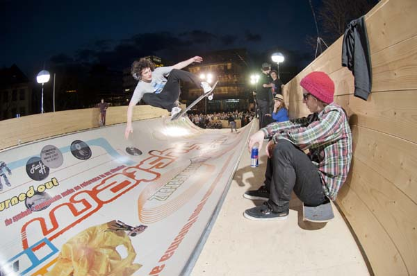 Skate of Art Skatesession Stuttgart 2012.  Foto: michel majerus estate, 2000, courtesy neugerriemschneider, Berlin/Red Bull Content Pool