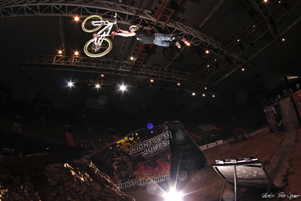 MTB Show Night of the Jumps Foto: Felix Jäger