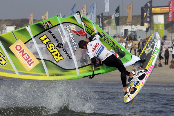 Tilo Eber ist der beste Windsurf Freestyler in Deutschland 