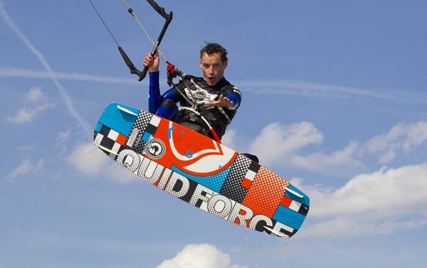 Action bei der Kitesurf Trophy in Damp