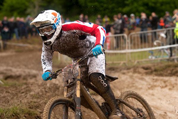 Rider: Ruaridh Cunningham Foto: IXS European Downhill Cup.