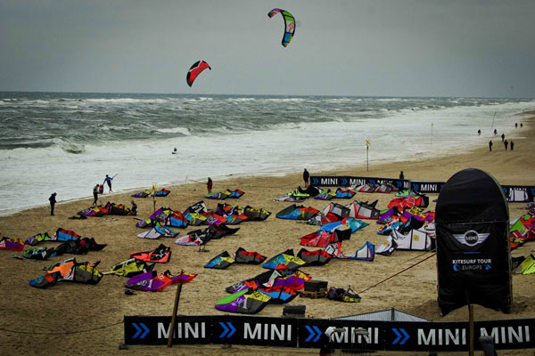 MINI Kitesurf World Cup 2012 Foto: Kitesurf World Cup 2012.