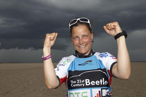Christine Bönniger beim Beetle Kitesurf World Cup 2012.  Foto: Philipp Szyza
