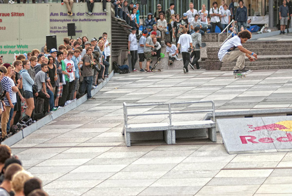 Chris Pfanner beim Red bull Bomb the Line 2012 in Berlin.  Foto: Helge Tscharn