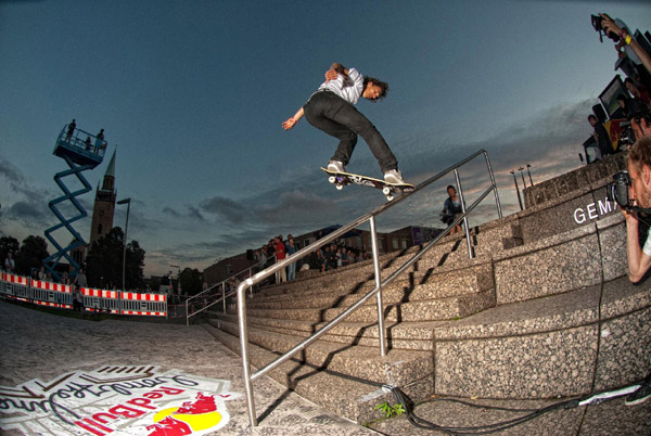 Marc Fr�lich beim Red Bull Bomb the Line 2012 in Berlin.  Foto: Helge Tscharn