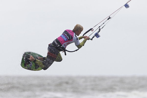 Christian Brill beim Beetle Kitesurf World Cup 2012.  Foto: Philipp Szyza