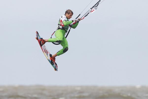 Marcel Kraas beim Beetle Kitesurf World Cup 2012.  Foto: Philipp Szyza