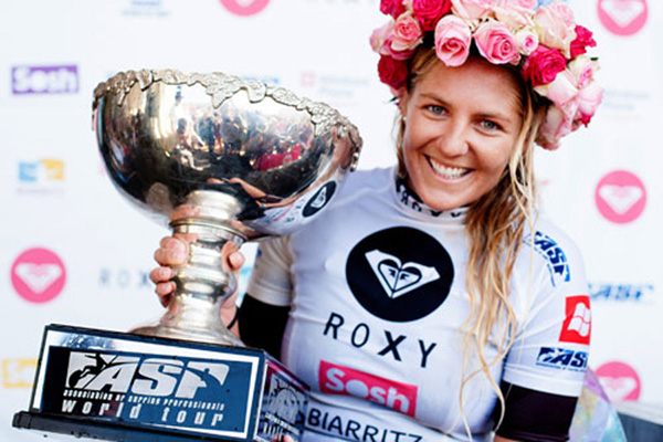 Stephanie Gilmore beim Roxy Pro 2012 in Biarritz.  Foto: Bonnarme