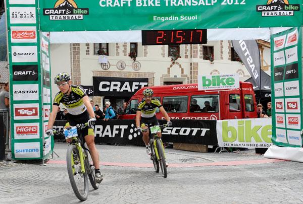 Robert Mennen und Alban Lakata bei der Bike Transalp 2012.  Foto: Craft Bike Transalp/Peter Musch