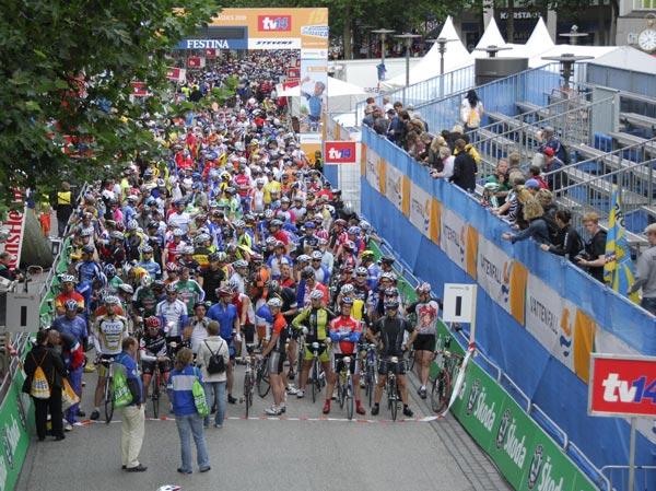 Der Start beim Jedermann-Rennen.  Foto: Upsolut/Hochzwei
