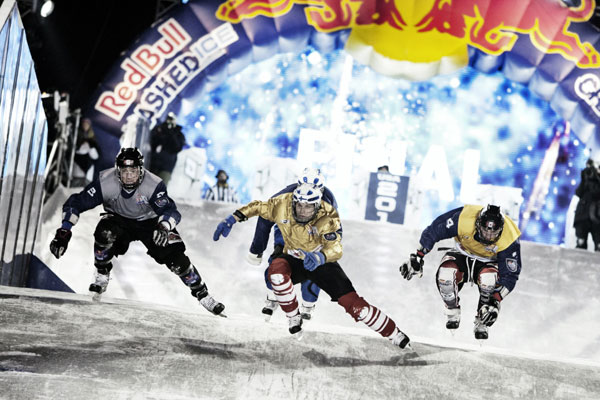 Crashed Ice in Saint Paul.  Foto: Sebastian Marko/Red Bull Content Pool