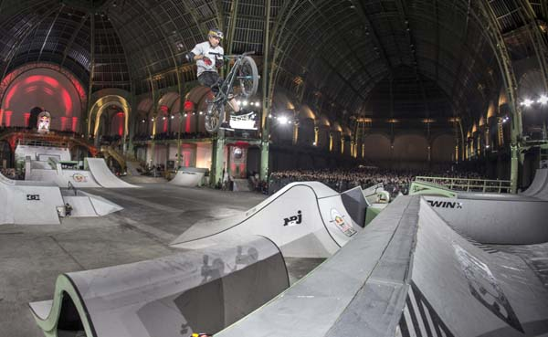 Red Bull Skylines Paris.  Foto: Kay Clauberg/Red Bull Content Pool