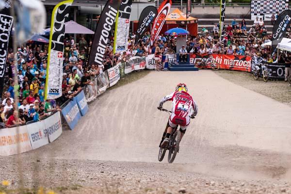 iXS Downhill Cups.  Foto: Thomas Dietze