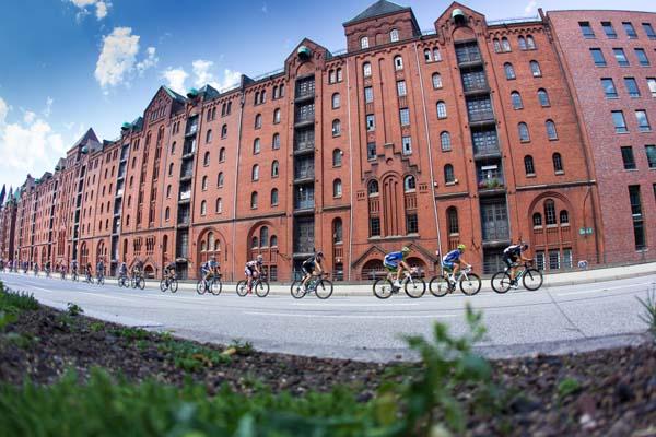 Cyclassics Hamburg.  Foto: Upsolut/Hochzwei