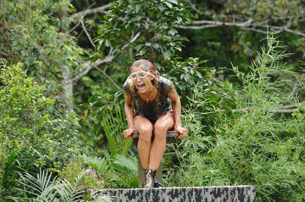 Fiona und Claudelle bei der Dschungelprüfung.  Foto: RTL
