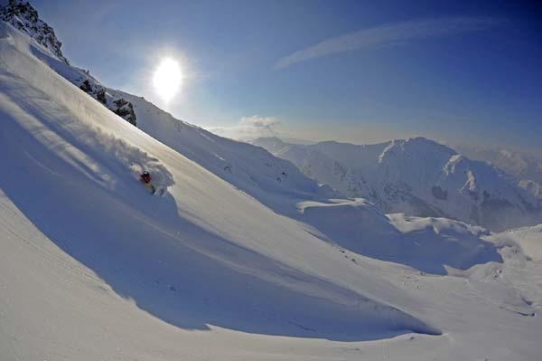 Bevor Pia Freeriderin wurde, fuhr sie Skirennen und nahm an Skicross-Rennen teil.  Foto: MICHAEL NEUMANN