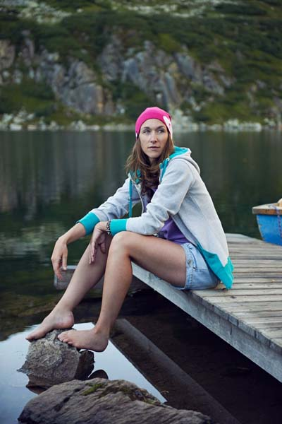 Pia ist Profifreeriderin. Sponsoren kooperieren mit der sympathischen Sportlerin.  Foto: http://www.thomasstraub.de/