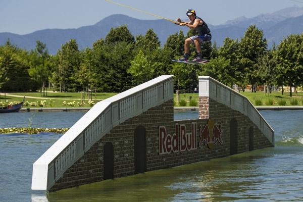 Frederic von Osten in Action.  Foto:  Damiano Levati/Red Bull Content Pool