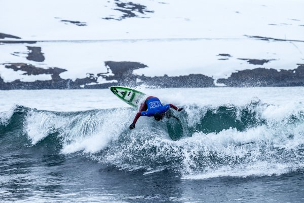 Nixon Surf Challenge Iceland 2013.  Foto: Alex Laurel
