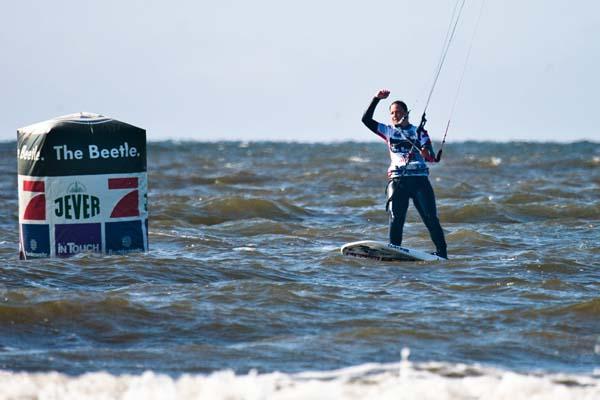Kitesurf World Cup St. Peter-Ording 2013.  Foto: Sebastian Schöffel / HOCH ZWEI