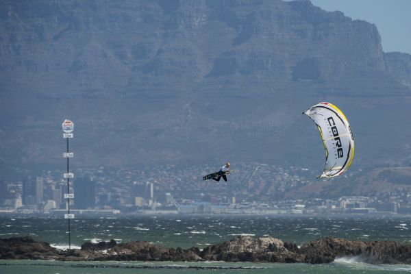 Red Bull King of the Air 2014: Flugshow vor Kapstadt.  Foto: Kolesky/Nikon/RedBullContentPool