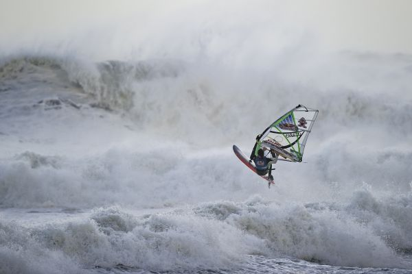 Red Bull Storm Chase Mission 3: Cornwall, England.  Foto: Sebastian Marko/Red Bull Content Pool