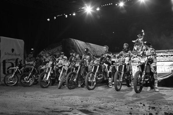 Die Rider bei der Night of the Jumps Basel 2013.  Foto: Oliver Franke/NOTJ.de