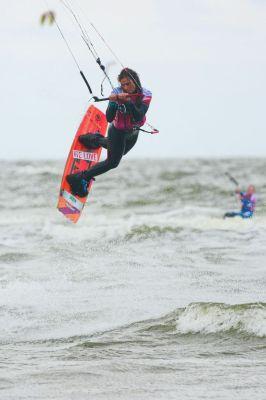 Noussa Denkler: Die Zukunft des deutschen Kitesurfens?  Foto: HOCH ZWEI / Juergen Tap