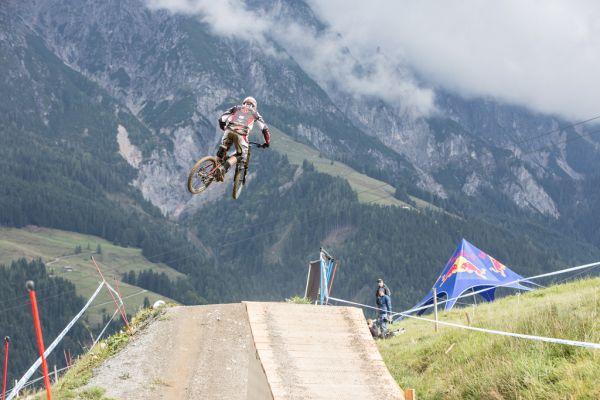 Downhill im Bikepark Leogang.  Foto: Michael Marte