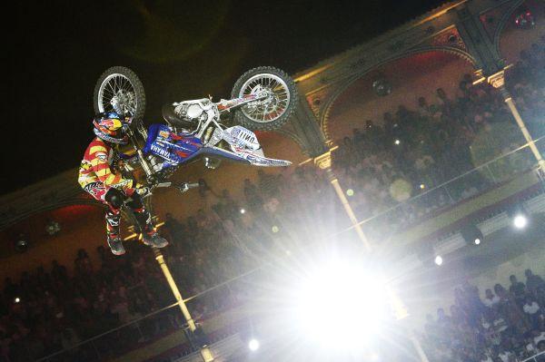 Tom Pagès beim Bikeflip.  Foto: Daniel Grund/Red Bull Content Pool