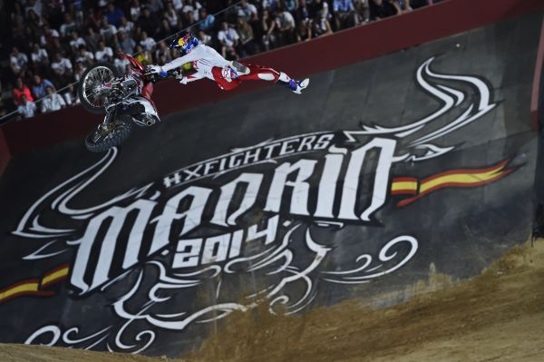 Joash Sheehan in Action bei den Red Bull X-Fighters.  Foto: Daniel Grund/Red Bull Content Pool
