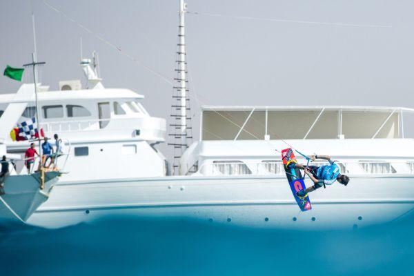Kitesurf World Cup St. Peter-Ording 2014.  Foto: HOCH ZWEI / Toby Bromwich / PKRA