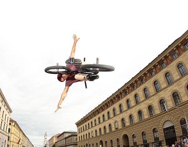 BMXer Andi Wohnig.  Foto: Sebastian Gerlich