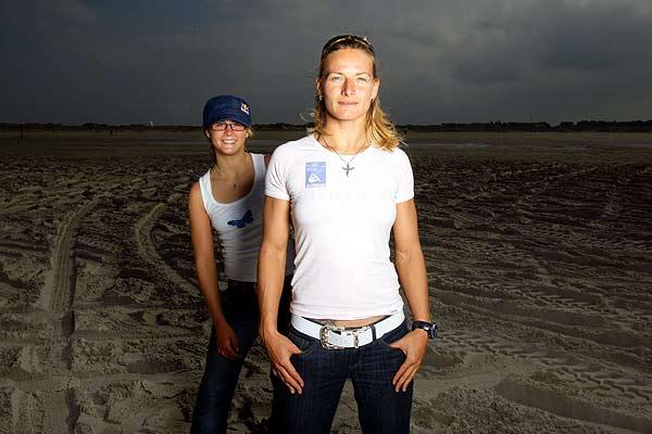 Kristin Boese und Gisela Pulido beim Kitesurf Weltcup in St. Peter-Ording