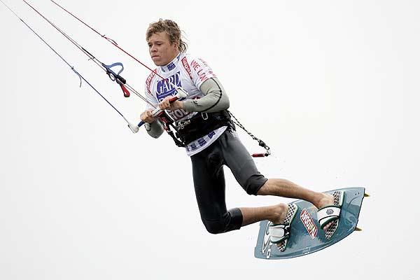 Kevin Langeree siegte beim ersten Freestyle-Wettbewerb des Kitesurf World Cups in St. Peter-Ording