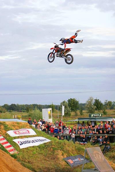 Hannes Ackermann gewinnt die Deutsche Freestyle Motocross Meisterschaft Foto: Oliver Franke, IFMXF.com