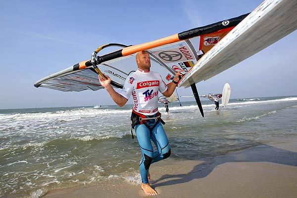 Bernd Flessner beim Surf Cup in Sylt Foto: Veranstalter